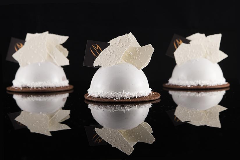 Marron White cakes