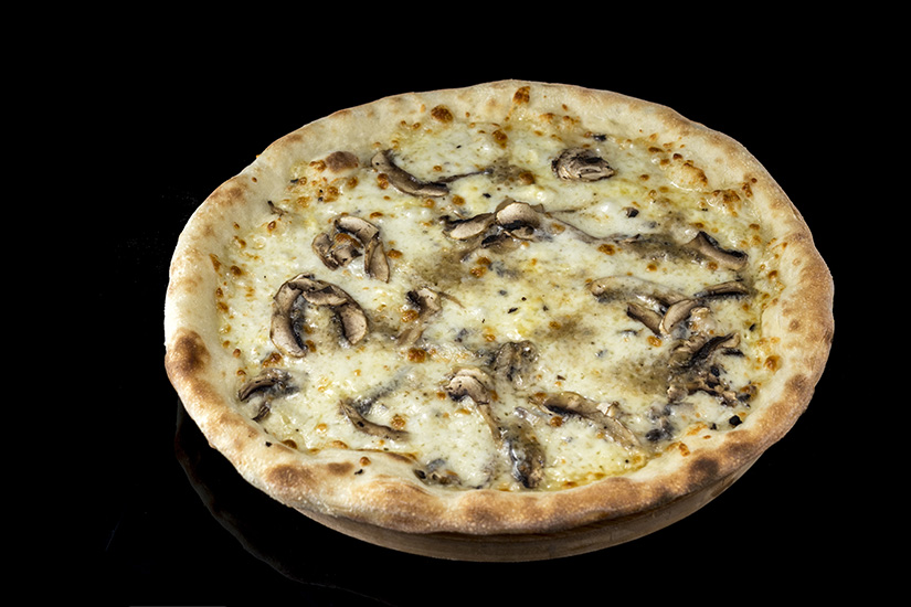 Pizza mushroom and mozzarella