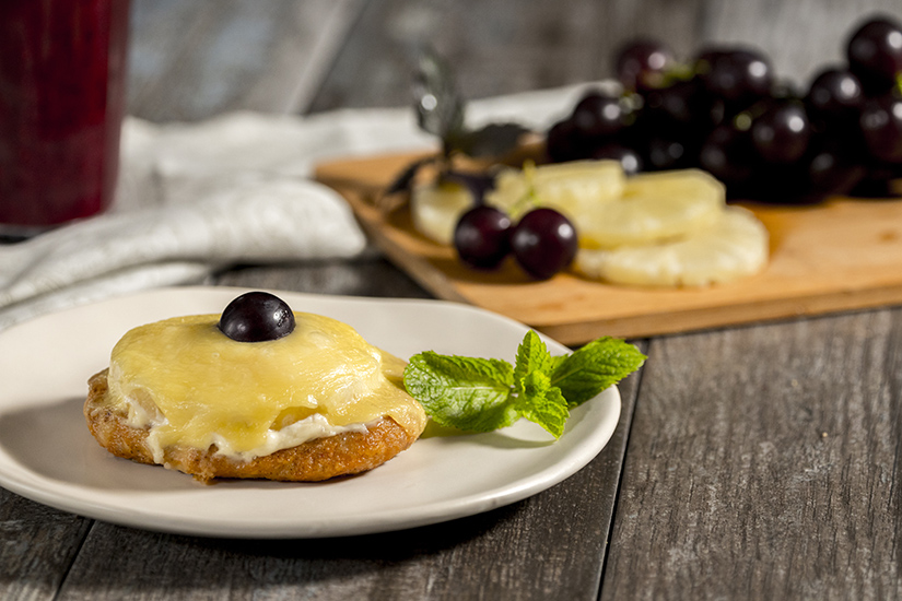 Cutlet with cheese and olives